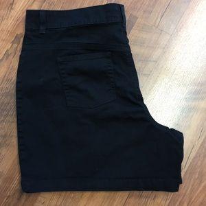 Lee black cotton twill shorts 20W